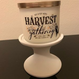 Bath and Body Works Candle Harvest gathering